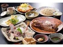 夕食 魚介類中心のおいしい和食です。自分の目で見て選んだものしか、お客様にはお出ししません。