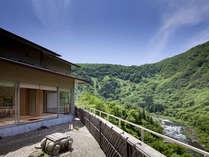坪庭からのお部屋と景観
