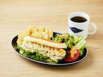 ◆【宿泊者限定】朝食サンドセット(サラダ・チップス・ドリンク付 )*ツナ&ボイルドエッグサンド ◆