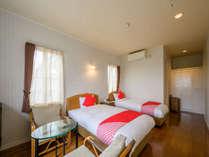 お部屋は、和室と洋室どちらもあり、優雅に動き回れる程の広さとなり、窓から美しい景色を楽しめます。