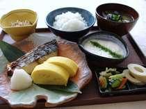 ☆鳥取のお母さんが作る<真心和朝食>♪ ご飯・味噌汁 お替りOKです!【内容は日によって変わります】