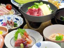 *【夕食一例】旬の食材を使ったこだわりのお料理の数々。