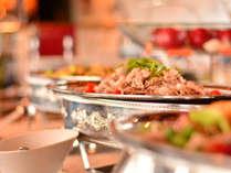 【ルミエール】ディナービュッフェでは洋食メニューと中華メニューをご用意しております