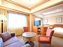 ◆【トリプルルーム】広さ:約27平米※1台はソファをベッドに致します(写真はイメージです)