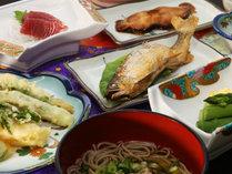 自家製野菜と山の幸満載の夕食