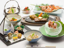 関東の小京都・笠間で休日を過ごす~月替わりの会席料理に舌鼓~2食付き