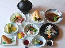 【スタンダード夕食】地元の新鮮な食材を使った季節変わりの会席料理