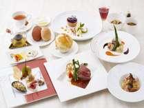 【ご夕食】シェフが丁寧に仕上げる季節ごとのフレンチディナーをご堪能くださいませ。