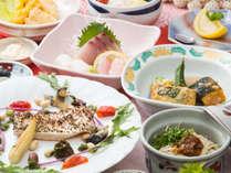 ご夕食一例(2017夏)旬の食材を使った、お料理が並びます。