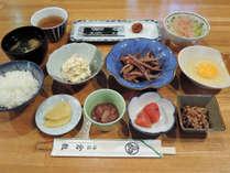 *【朝食一例】納豆に、玉子、焼のりなど、旅館の朝食を召し上がれ!