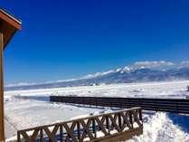 晴れた日には大雪山系十勝岳連峰が望めます。