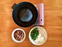 ご朝食・ご夕食付プラン♪(サイドコテージ)ご夕食はジンギスカンをお店のウッドデッキで!冬でもOK♪