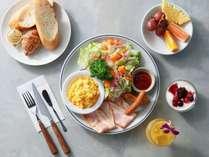ご朝食「洋食セット」、その他3種のセットメニューからお選びいただけます。