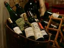 Wine 厳選された甲州ワインも取り揃えています。テ゛ィナーとの相性はハ゛ッチリです。