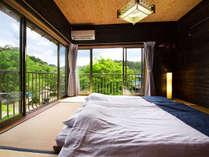 ■2階建て離れ-露天風呂付き-■三世帯のご旅行や団体様にオススメの客室です♪