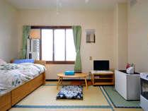 【シングルルーム(バス付・トイレ付)】アットホームな畳の部屋になる場合もございます。