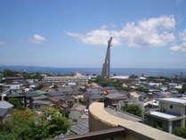7月 屋上からビーコンタワーと別府湾と市街地