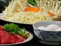 ●すき焼●タレと柔らかいお肉、野菜が卵とベストマッチ!グツグツ美味しくお召し上がり下さい。※イメージ
