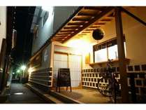 Yuji-inn玄関♪可愛いお地蔵さんがお出迎え(^^♪