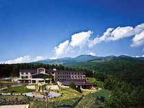 周囲を自然に囲まれたホテルです。