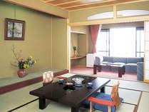 木造の温もりが伝わる寛ぎの和室。※お部屋一例