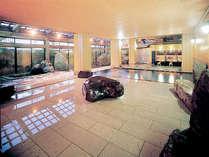 巨石を配した趣ある大浴場「太郎の湯」