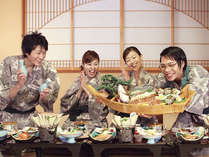 豪華なお料理に大盛り上がり間違いなし!! 宴会ならではの楽しいひと時をお過ごしください。