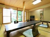 【白壁館】客室 ※木造のぬくもりが伝わる寛ぎの空間です。