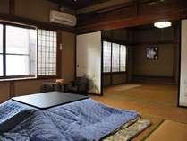 【和室/2間続き】昔ながらの木造旅館です。懐かしい雰囲気の和室。