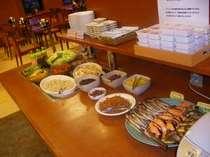【バイキング朝食】日替わりメニューでお待ちしております。【営業時間 6:45~9:00】