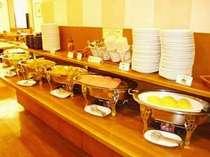 【朝食】一日の始まりは健康的な朝食から!栄養バランスを考えて熟練スタッフが手作りしています。