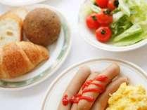 朝から元気にボリューム満点のバイキング朝食をお召し上がり下さい!