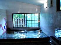 *内湯(殿方用) 広々と清潔感溢れる大浴場!