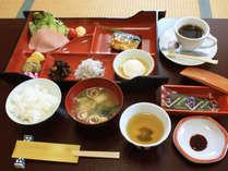 *朝食一例、和食メインで朝からバランス良くしっかり栄養補給♪