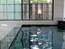 *内湯一例、自然にやさしく包まれて、広い湯船で御緩りとお寛ぎください。