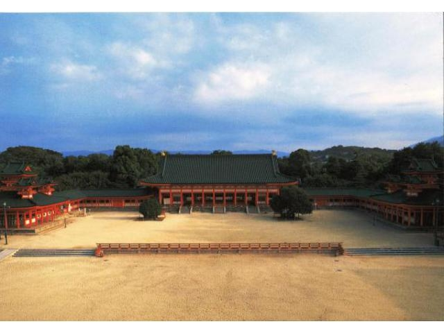 京都薪能について 昭和25年、京都市と京都能楽会の共催で始まった「京都... 京都薪能